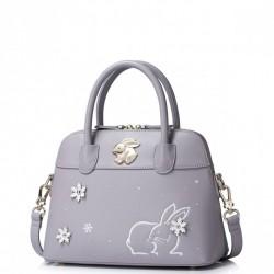 Delikatny kuferek z królikiem Purpurowy