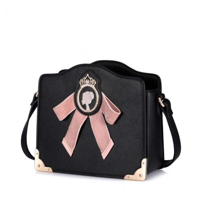 Torebka czarna z ozdobną różową kokardką