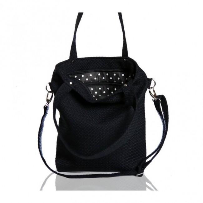 Czarna torebka z grubej plecionki